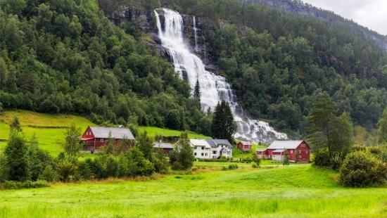 egyeni-utazo-sognefjord-norvegia-Tvindefossen-vizeses-fjord-bergen-2