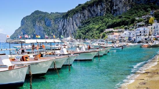 egyeni-utazo-capri-marina-grande-olaszorszag