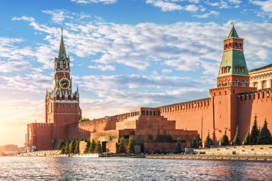 egyeni-utazo-lenin-mauzoleum-voros-ter-moszkva-kreml