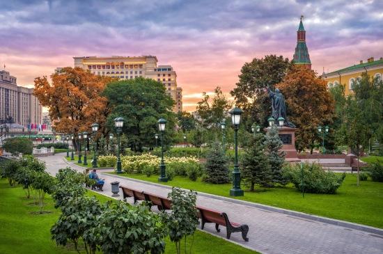 egyeni-utazo-moszkva-kreml-latnivalok-sandor-kert