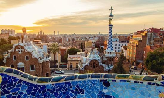 egyeni-utazo-barcelona-guell-park-spanyolorszag (2)