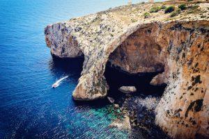 Málta utazás egyénileg Blue Grotto